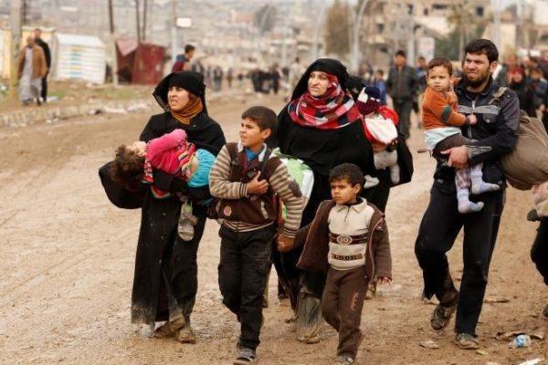 Displaced Iraqi Families Flee ISIS